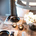 Tisch Gedeckt Tischset Lampe Blumen
