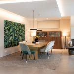 Offener Wohn Essbereich Esszimmer Stühl Tisch Lampen Schrank