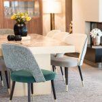 Offener Wohn Essbereich Esszimmer Stühle Vasen Lampe Schrank