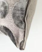 Designers Guild Kissen Iridato Moleskin Taupe Dekokissen Samt Grau Cushion Muster