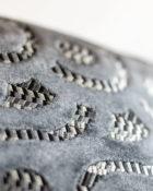 Designers Guild Kissen Latticino Dunkelgrau Muster Samt Glanz Cushion