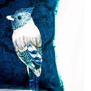 Designers Guild Kissen Quill Cobalt Dunkelblau Vogel Federn Muster