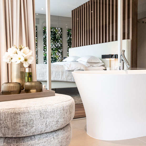 Raumteiler Bad Schlafzimmer Freistehende Badewanne Bett Vorhang Raumteiler