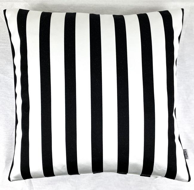 HOATÉ Kissen Cabanon gestreiftes Kissen Couchdeko Kissenguide mit Kissen dekorieren Kissen richtig arrangieren Dekokissen für Couch und Bett Sofa mit Kissen dekorieren