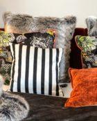 Couchdeko Kissenguide mit Kissen dekorieren Kissen richtig arrangieren Dekokissen für Couch und Bett Sofa mit Kissen dekorieren
