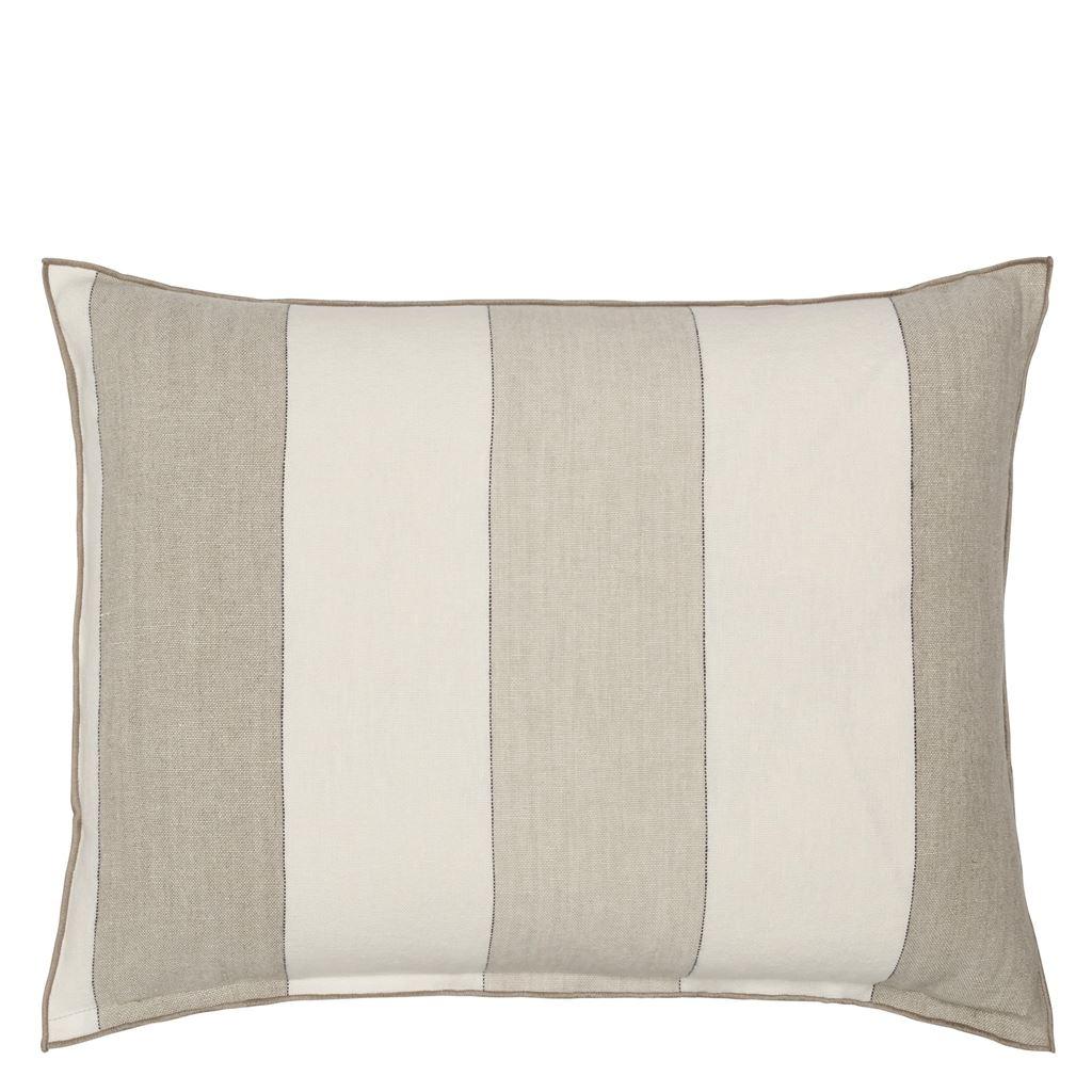 Designers Guild Deko Kissen Brera Gessato Natural Couchdeko Kissenguide mit Kissen dekorieren Kissen richtig arrangieren Dekokissen für Couch und Bett Sofa mit Kissen dekorieren