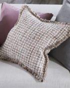 Designers Guild Deko Kissen Scalati Blossom Couchdeko Kissenguide mit Kissen dekorieren Kissen richtig arrangieren Dekokissen für Couch und Bett Sofa mit Kissen dekorieren
