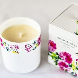 Allium Interiors Designers Guild Fragrance Chinoiserie Flower Lilie und Vanille duften Duft Duftkerze Kerze