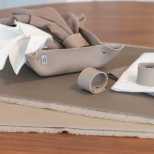Tischideen und Ambiente | Tischdeko Taupe Tischideen und Ambiente | Tischdeko Taupe Dekoideen Esszimmer Dekoset Tischdekoration Elegante Tischdekoration