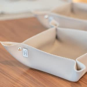 HOATÉ Kunstleder Tablett & Aufbewahrungskörbchen Matara Dove Accessoires Esszimmer Aufbewahrung Kunstleder Taupe